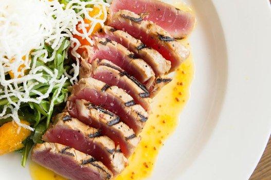 Milestones Ahi Tuna Tataki Salad